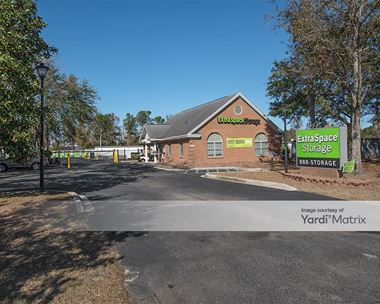 Storage Units for Rent available at 1904 North Highway 17, Mount Pleasant, SC 29464 Photo Gallery 1