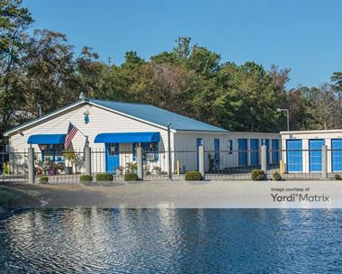 Storage Units for Rent available at 616 Johnnie Dodds Blvd, Mount Pleasant, SC 29464 Photo Gallery 1
