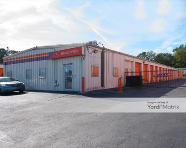 Storage Units for Rent available at 5715 Dorchester Road, Charleston, SC 29418 Photo Gallery 1