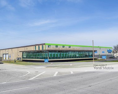Storage Units for Rent available at 1600 Busse Road, Elk Grove Village, IL 60007 Photo Gallery 1