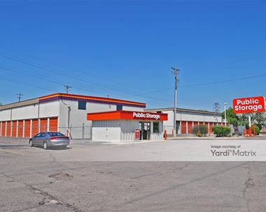 Storage Units for Rent available at 1441 Hunting Valley Road, St Paul, MN 55108 Photo Gallery 1