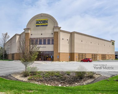 Storage Units for Rent available at 2480 Cleveland Avenue North, Roseville, MN 55113 Photo Gallery 1