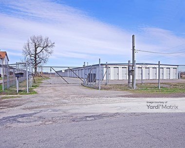 Storage Units for Rent available at 435 West Pontoon Road, Granite City, IL 62040 Photo Gallery 1