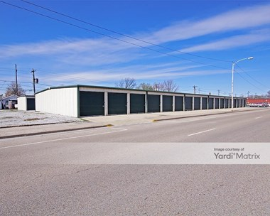 Storage Units for Rent available at 1321 Madison Avenue, Madison, IL 62060 Photo Gallery 1