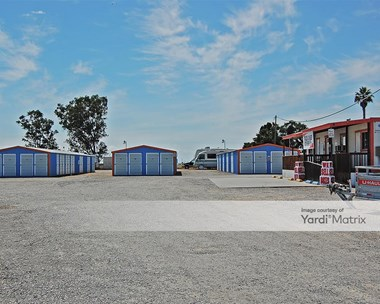 Storage Units for Rent available at 2842 North Golden State Blvd, Madera, CA 93637 Photo Gallery 1