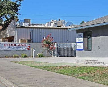 Storage Units for Rent available at 776 North Haney Avenue, Reedley, CA 93654 Photo Gallery 1