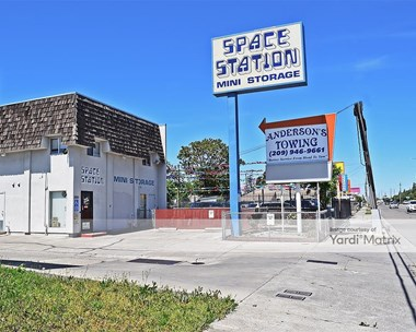 Storage Units for Rent available at 2055 West Lane, Stockton, CA 95205 Photo Gallery 1