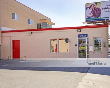 Storage Units for Rent available at 3301 Truxtun Avenue, Bakersfield, CA 93301 Photo Gallery 1