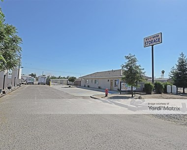 Storage Units for Rent available at 15713 Avenue 296, Visalia, CA 93292 Photo Gallery 1