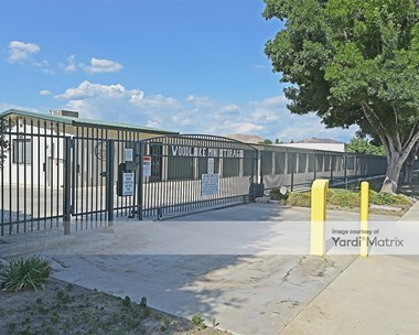 Storage Units for Rent available at 1314 West Bravo Street, Woodlake, CA 93286 Photo Gallery 1