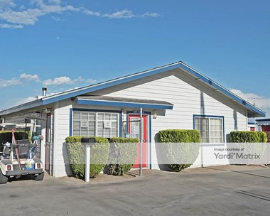 Storage Units for Rent available at 1949 West Olive Avenue, Porterville, CA 93257 Photo Gallery 1