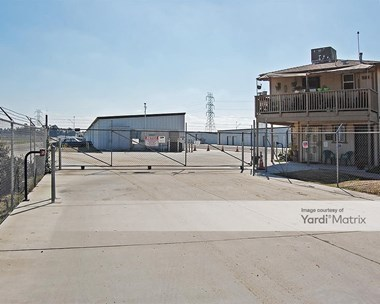Storage Units for Rent available at 28734 Avenue 15 1/2, Madera, CA 93638 Photo Gallery 1