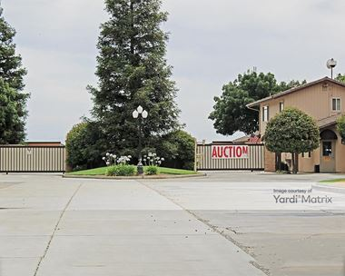 Storage Units for Rent available at 9712 North Willow Avenue, Clovis, CA 93619 Photo Gallery 1
