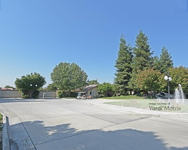 Storage Units for Rent available at 9801 White Lane, Bakersfield, CA 93311 Photo Gallery 1