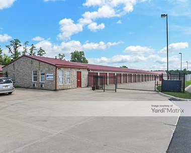 Storage Units for Rent available at 2510 Medina Road, Medina, OH 44256 Photo Gallery 1