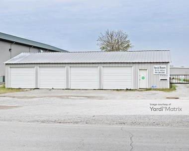 Storage Units for Rent available at 8217 East 590 Road, Catoosa, OK 74015 Photo Gallery 1