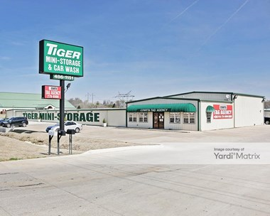 Storage Units for Rent available at 11057 South State Highway 51, Broken Arrow, OK 74014 Photo Gallery 1