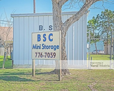 Storage Units for Rent available at 2712 Avenue B, Ingleside, TX 78362 Photo Gallery 1