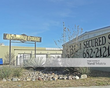 Storage Units for Rent available at 3105 West Industrial Avenue, Midland, TX 79701 Photo Gallery 1