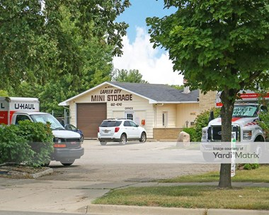 Storage Units for Rent available at 500 Demille Road, Lapeer, MI 48446 Photo Gallery 1
