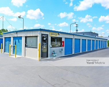 Storage Units for Rent available at 7286 West Grand River, Brighton, MI 48114 Photo Gallery 1