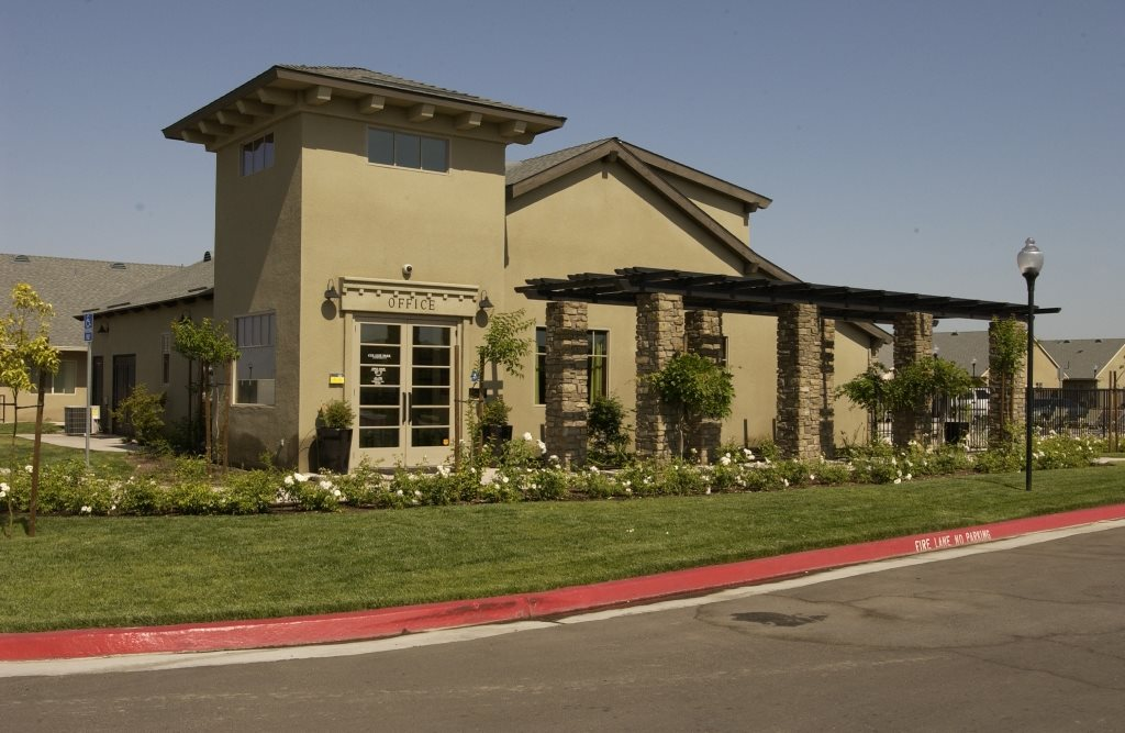 College Park Apartment Homes Apartments In Lemoore Ca