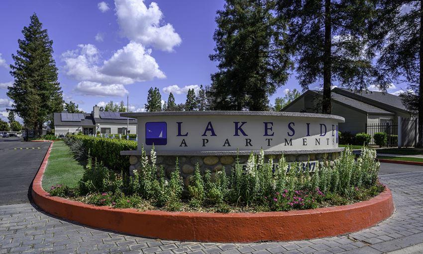 Lakeside Entrance