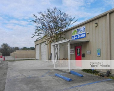 Storage Units for Rent available at 8039 Vincent Road, Denham Springs, LA 70726 Photo Gallery 1