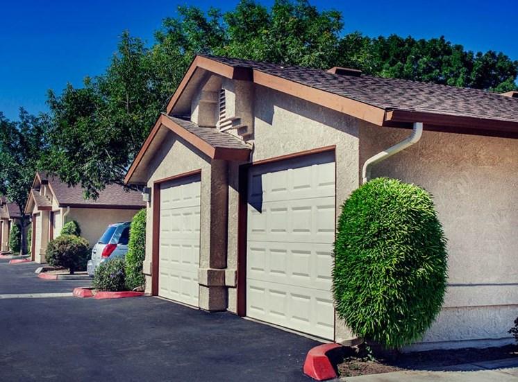 Stonegate Apartment Home Garage