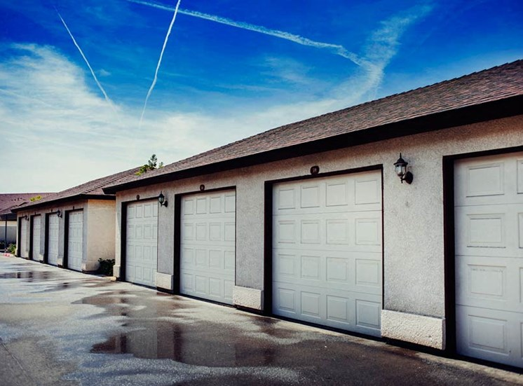 Stonegate Apartment Home Garages