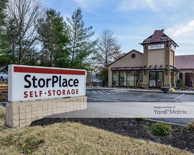 Storage Units for Rent available at 1138 Murfreesboro Road, Franklin, TN 37064 Photo Gallery 1