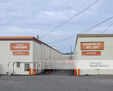 Storage Units for Rent available at 450 Mcnally Drive, Nashville, TN 37211 Photo Gallery 1
