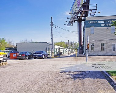 Storage Units for Rent available at 1036 Pershall Road, St. Louis, MO 63137 Photo Gallery 1