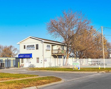 Storage Units for Rent available at 912 North 35Th Street, Council Bluffs, IA 51501 Photo Gallery 1