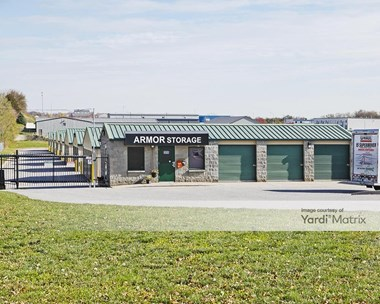 Storage Units for Rent available at 10724 Chandler Road, La Vista, NE 68128 Photo Gallery 1