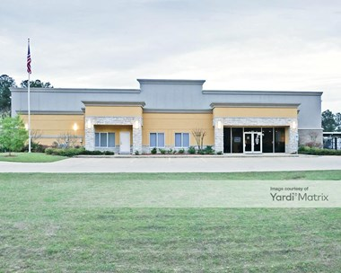 Storage Units for Rent available at 4235 Highway 80, Pearl, MS 39208 Photo Gallery 1