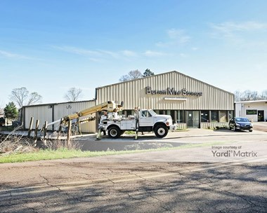 Storage Units for Rent available at 3247 Davis Road, Byram, MS 39170 Photo Gallery 1