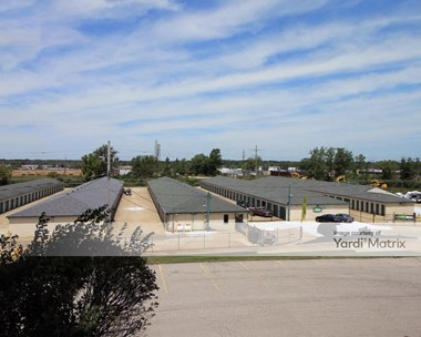 Storage Units for Rent available at 7679 Mentor Avenue, Mentor, OH 44060 Photo Gallery 1