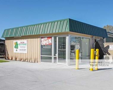Storage Units for Rent available at 32810 Pin Oak Pkwy, Avon Lake, OH 44012 Photo Gallery 1