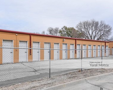 Storage Units for Rent available at 9413 I Street, Omaha, NE 68127 Photo Gallery 1