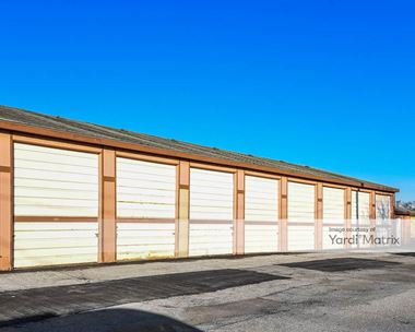 Storage Units for Rent available at 2406 Avenue L, Council Bluffs, IA 51501 Photo Gallery 1