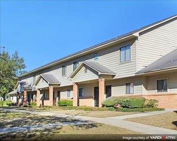 2700 W Pensacola St. 2-4 Beds Apartment for Rent Photo Gallery 1