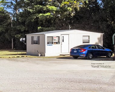 Storage Units for Rent available at 15 Oak Drive, Shawnee, OK 74801 Photo Gallery 1