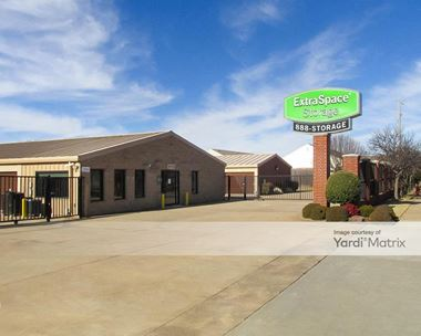 Storage Units for Rent available at 2100 24th Avenue SE, Norman, OK 73071 Photo Gallery 1