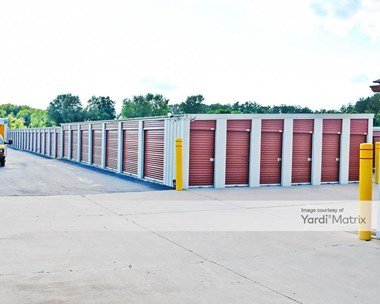 Storage Units for Rent available at 15611 Helmer Road South, Battle Creek, MI 49015 Photo Gallery 1