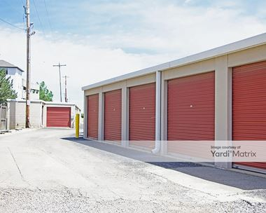 Storage Units for Rent available at 824 West 5th Avenue, Columbus, OH 43212 Photo Gallery 1