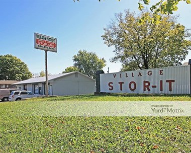Storage Units for Rent available at 349 NE US Highway 69, Kansas City, MO 64119 Photo Gallery 1