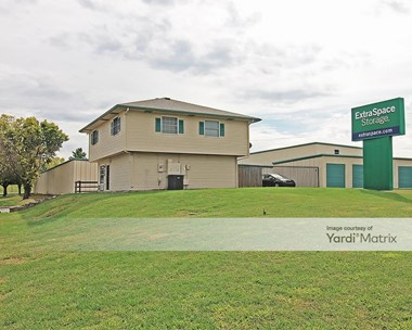 Storage Units for Rent available at 7880 Mastin Drive, Overland Park, KS 66204 Photo Gallery 1