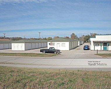 Storage Units for Rent available at 816 Lynn Street, Lawrence, KS 66044 Photo Gallery 1