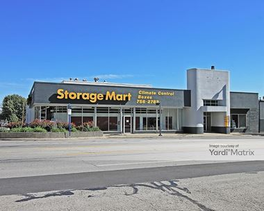 Storage Units for Rent available at 3401 Broadway Blvd, Kansas City, MO 64111 Photo Gallery 1